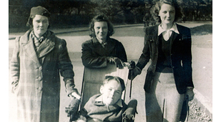Foot-Christy-with-mother-Bridget-sister-Mona-and-Katriona-Maguire-1944.jpg